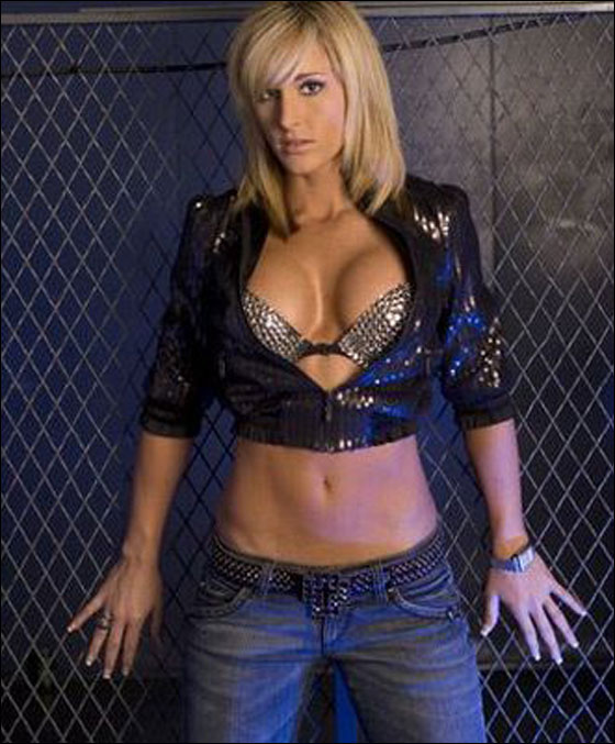 Michelle McCool Sexy Pictures