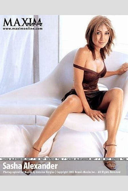 39 Hottest Sasha Alexander Pictures Are Delight For Fans