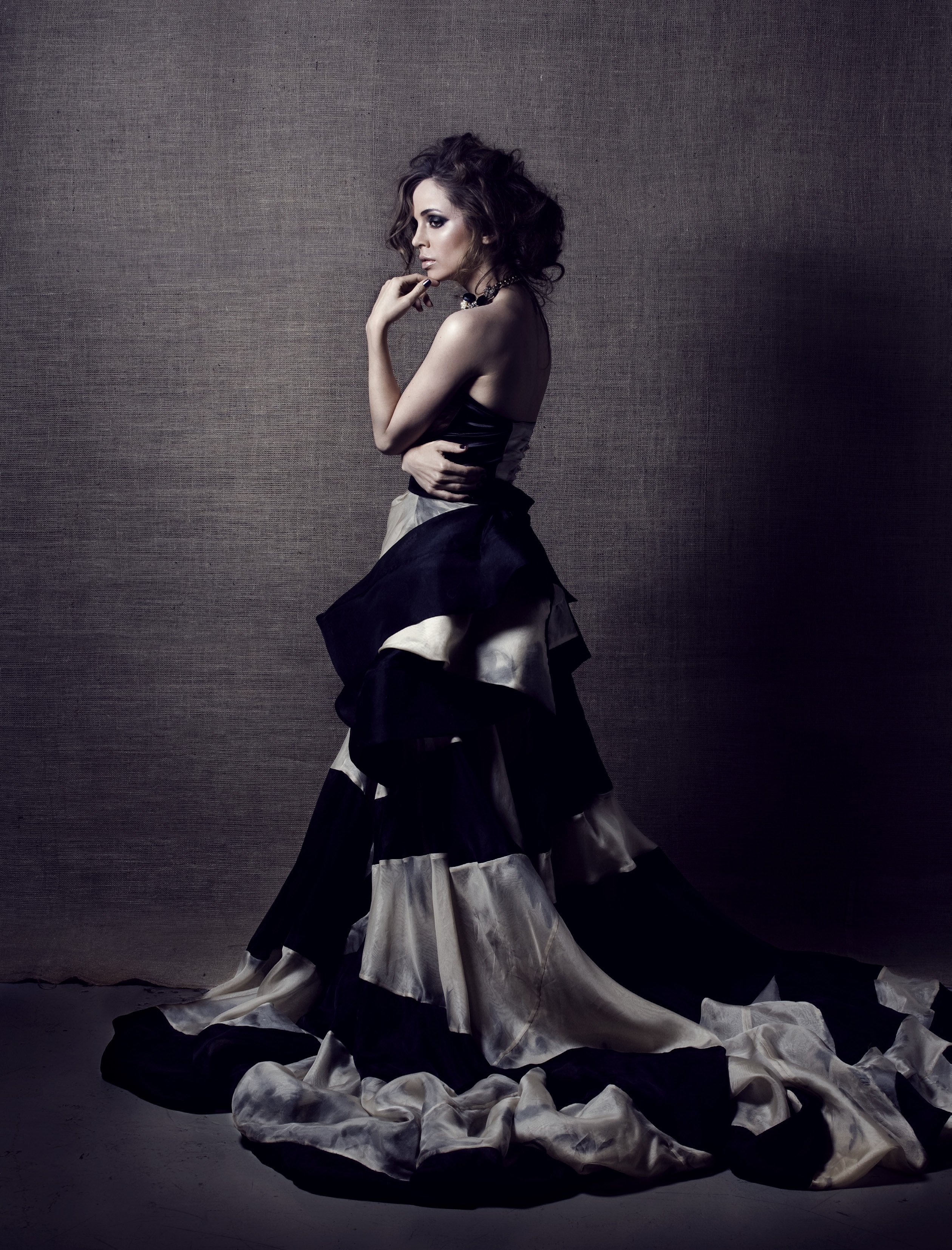 Eliza Dushku on Photoshoot