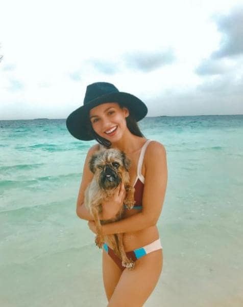 Victoria Justice with Puppy