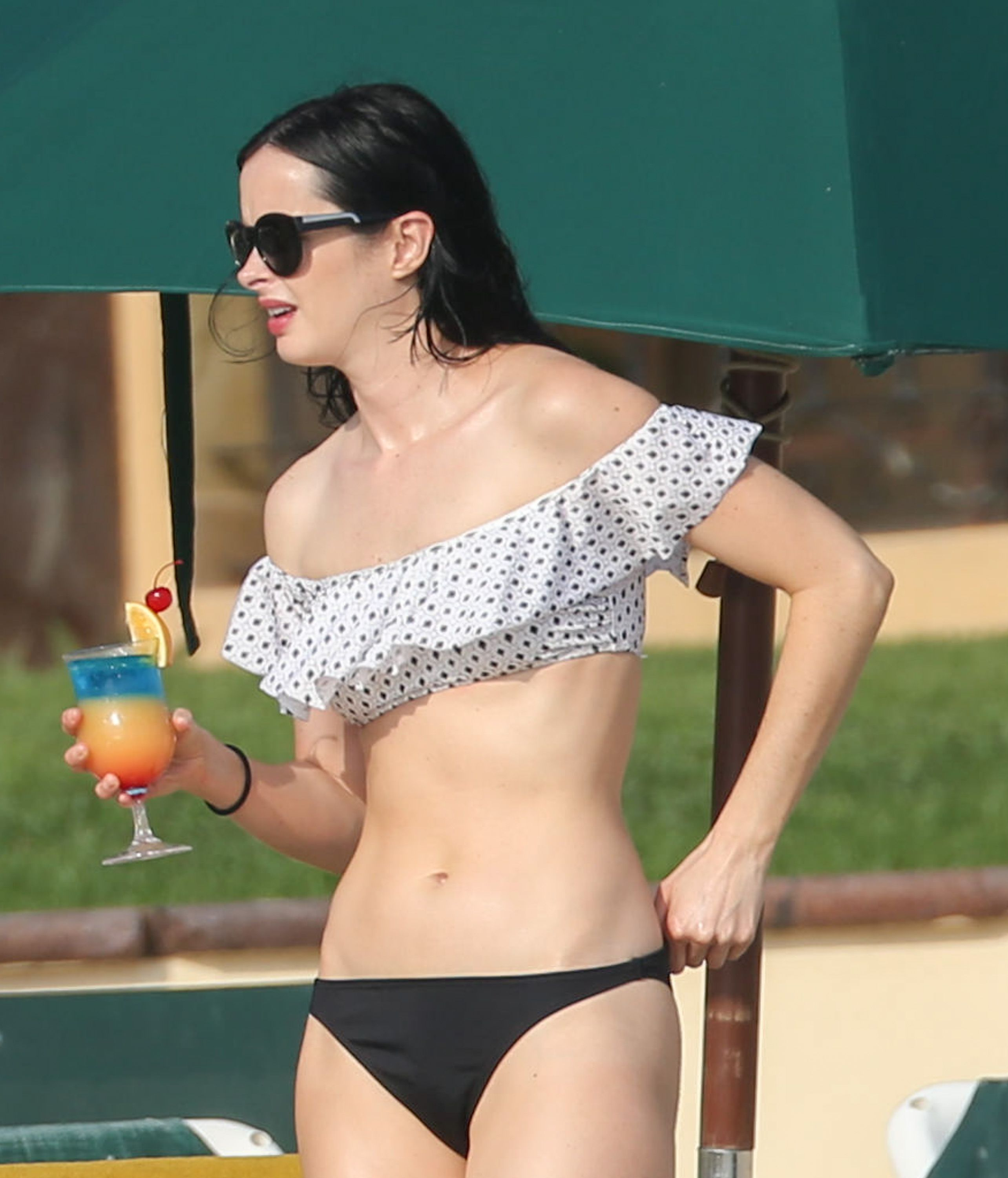 Krysten Ritter Hot Pictures