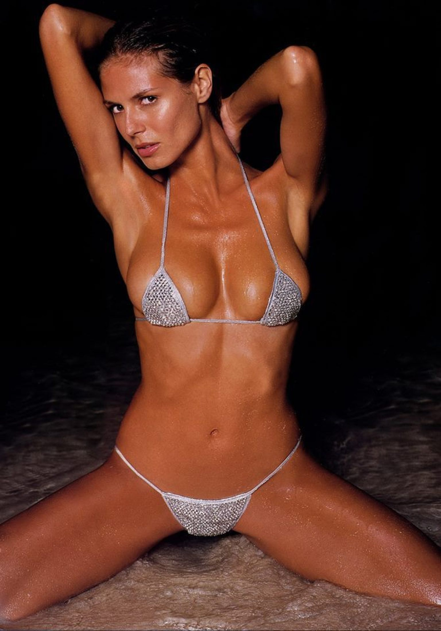 Heidi Klum Hot in Bikini