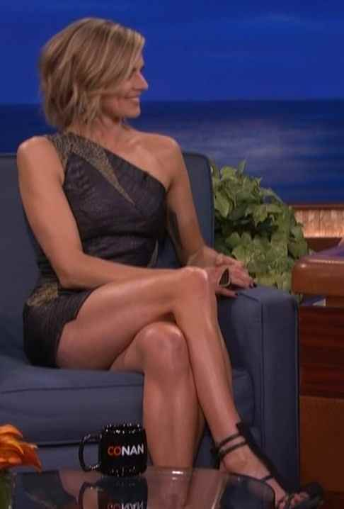 Eliza Coupe Sexy Legs