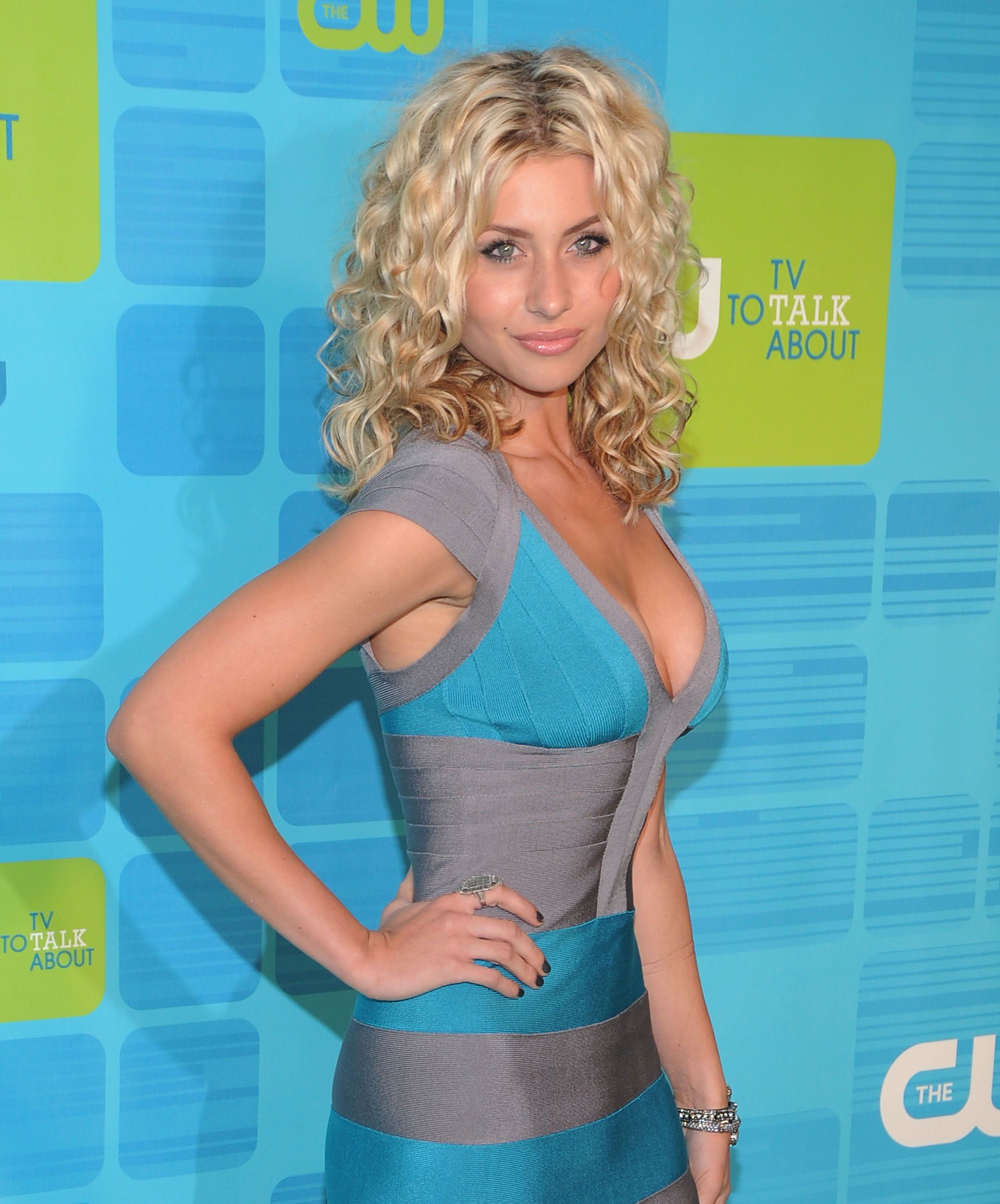 Aly Michalka Hot