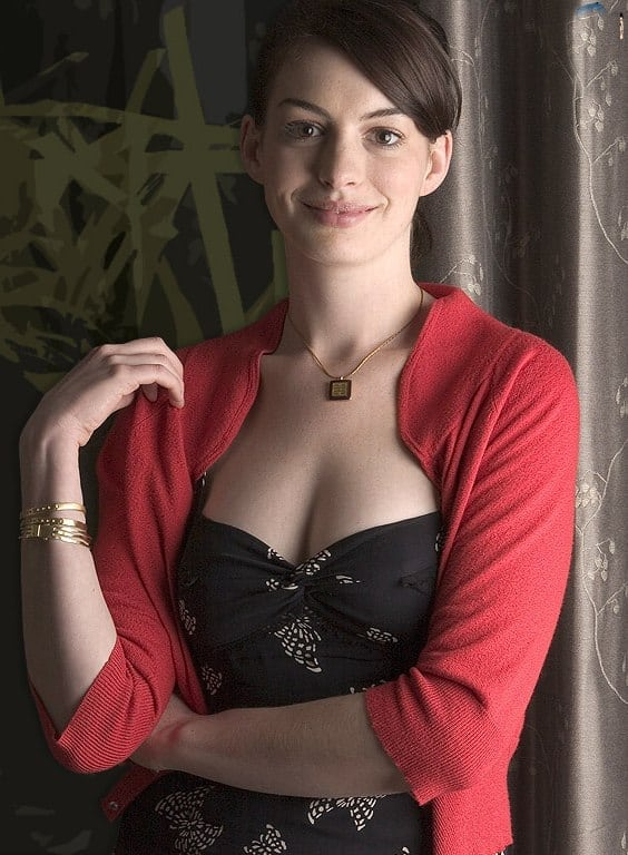 anne hathaway smile
