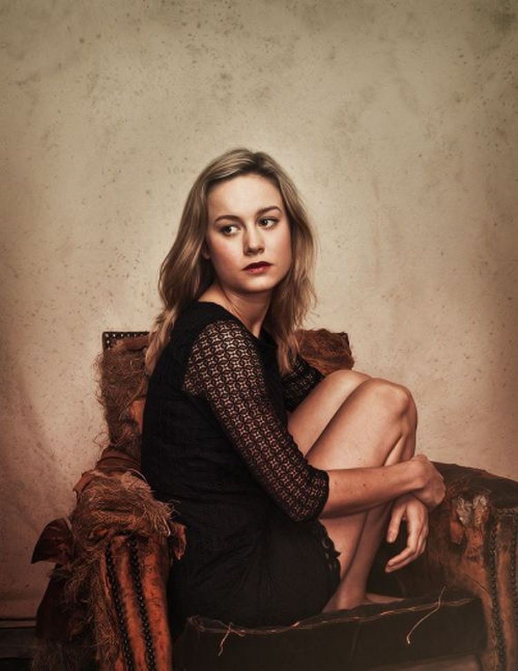 brie larson looking sexy