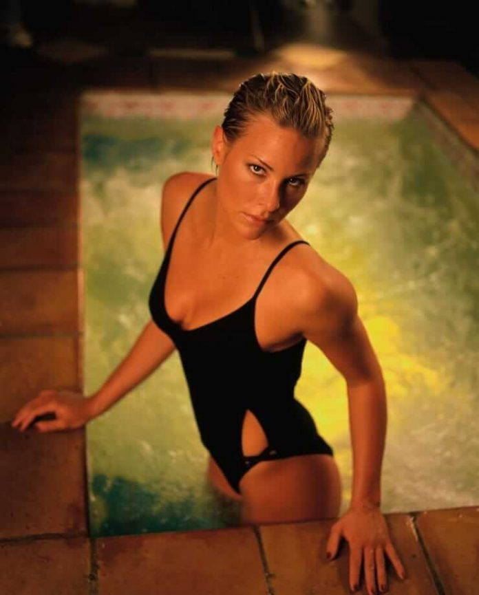 61 Hot Pictures Of Meredith Hagner That Will Make You Want
