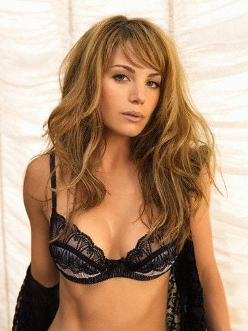 erica durance sexy look