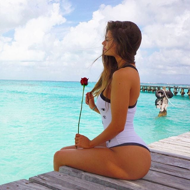 hannah stocking ass pictures