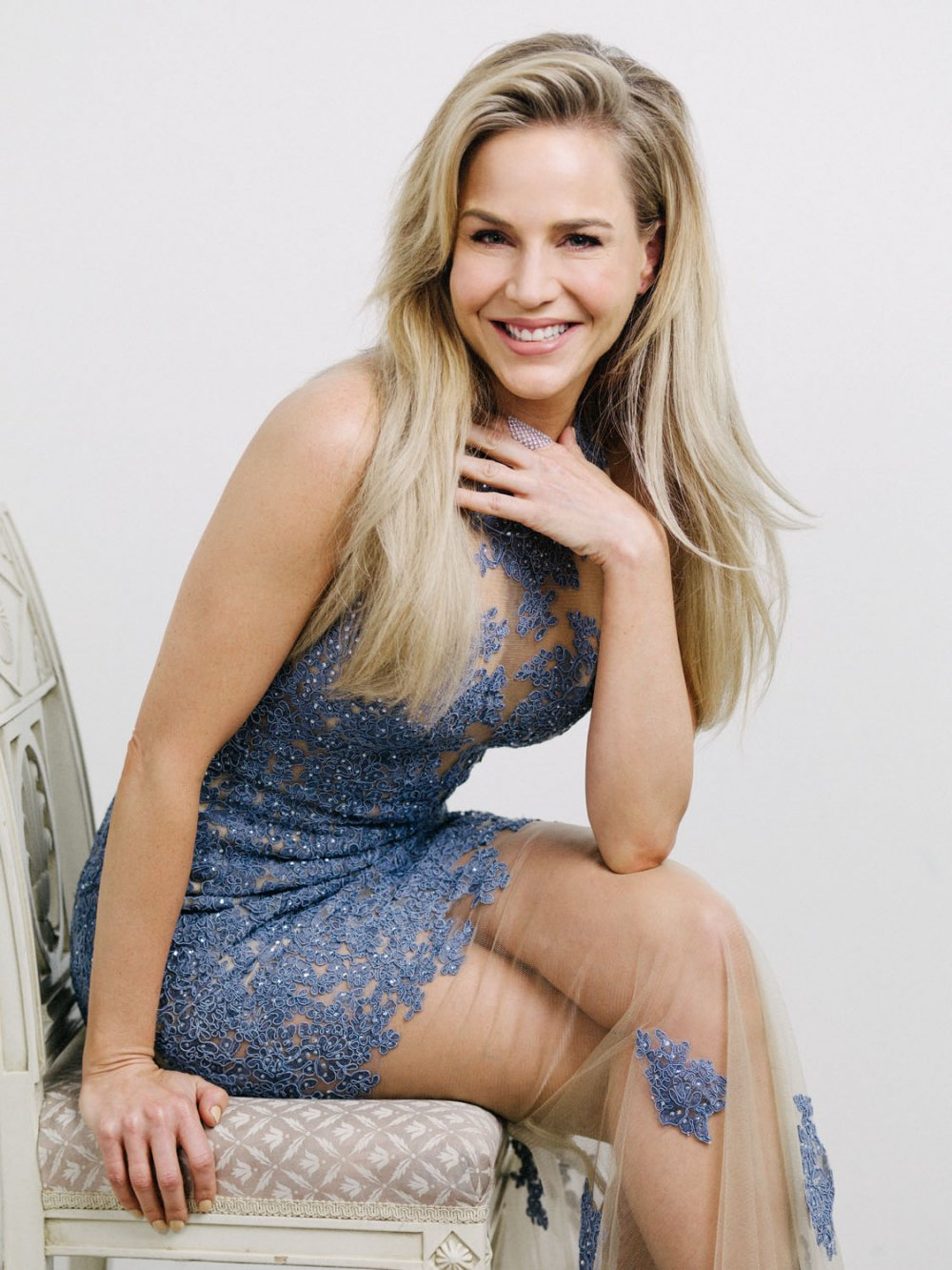 julie benz blonde hair