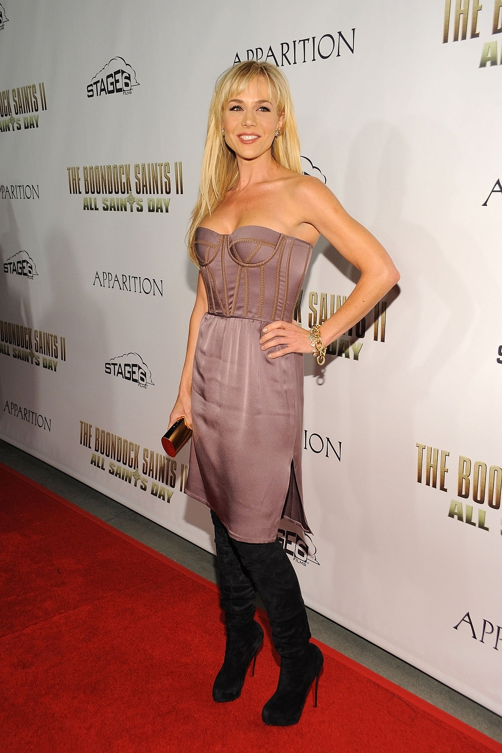 julie benz red carpet