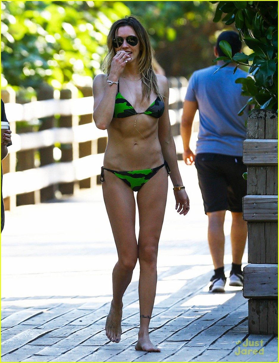 katie cassidy hot pictures
