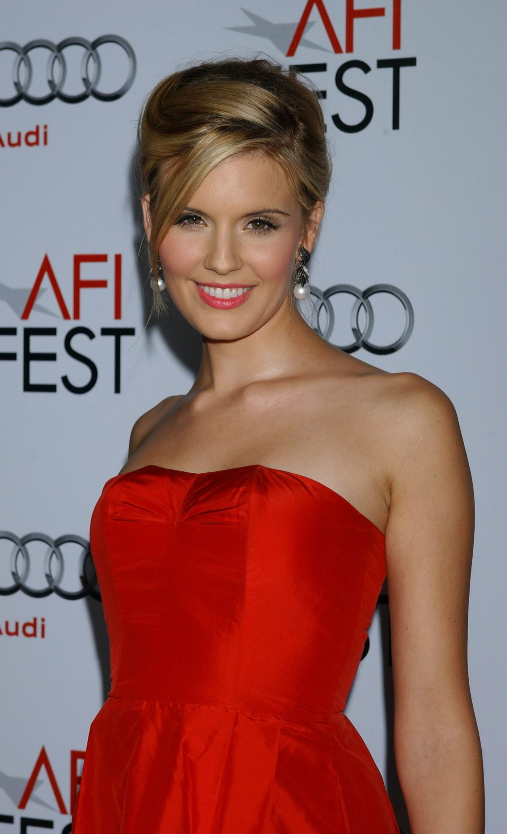Top 50 famosas de J182 Maggie-grace-pretty
