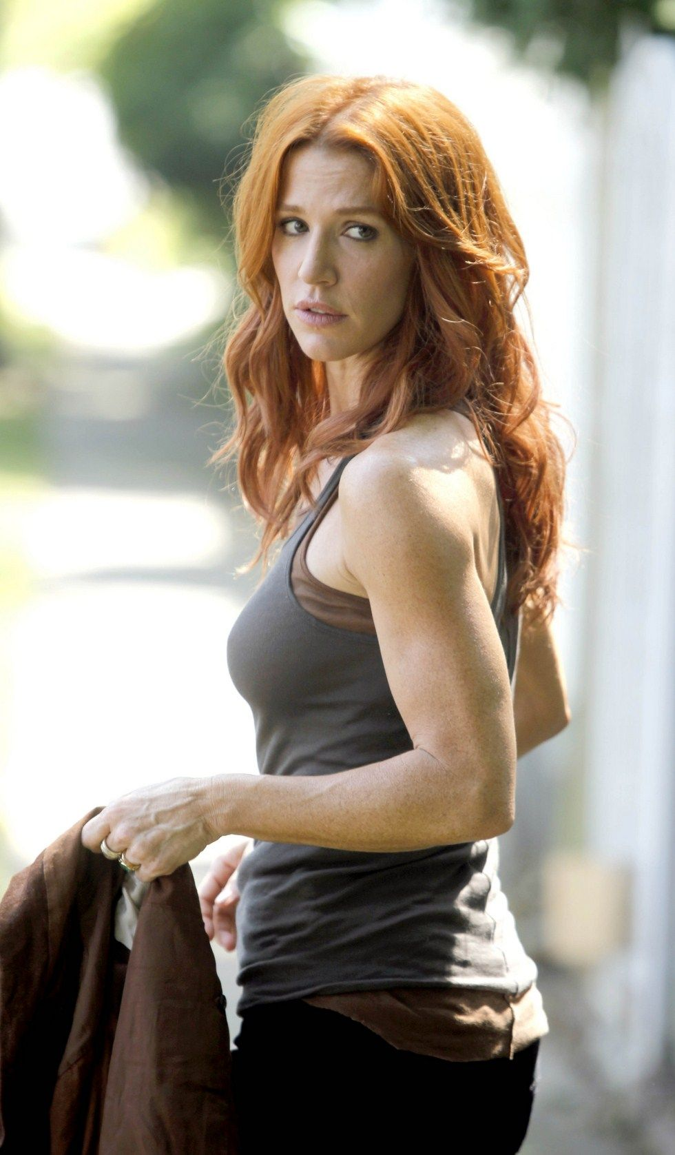 70+ Hot Pictures Of Poppy Montgomery Is No Less Than Slice