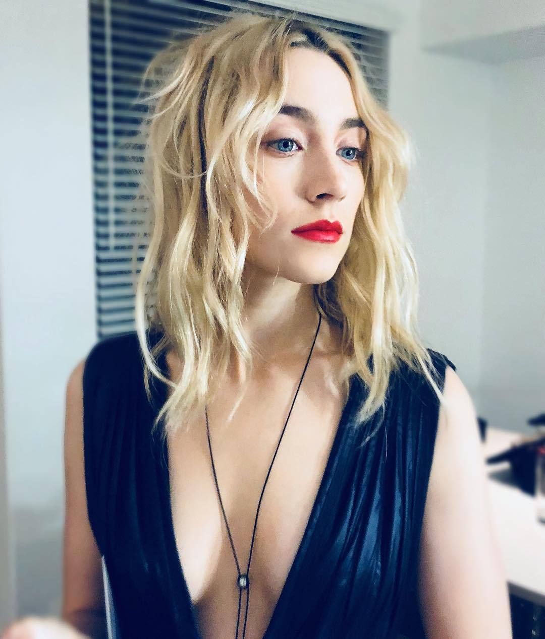 saoirse ronan awesome cleavage