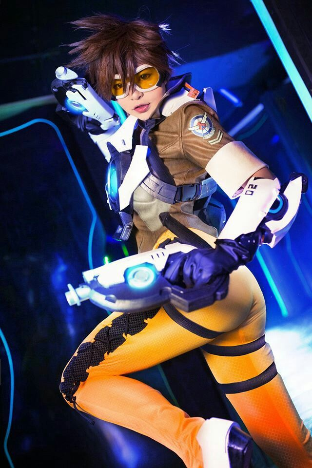 tracer action pics
