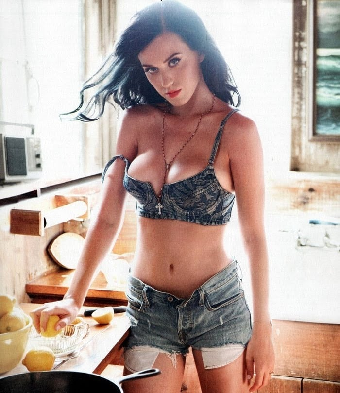 Katy Perry Sexy Boobs