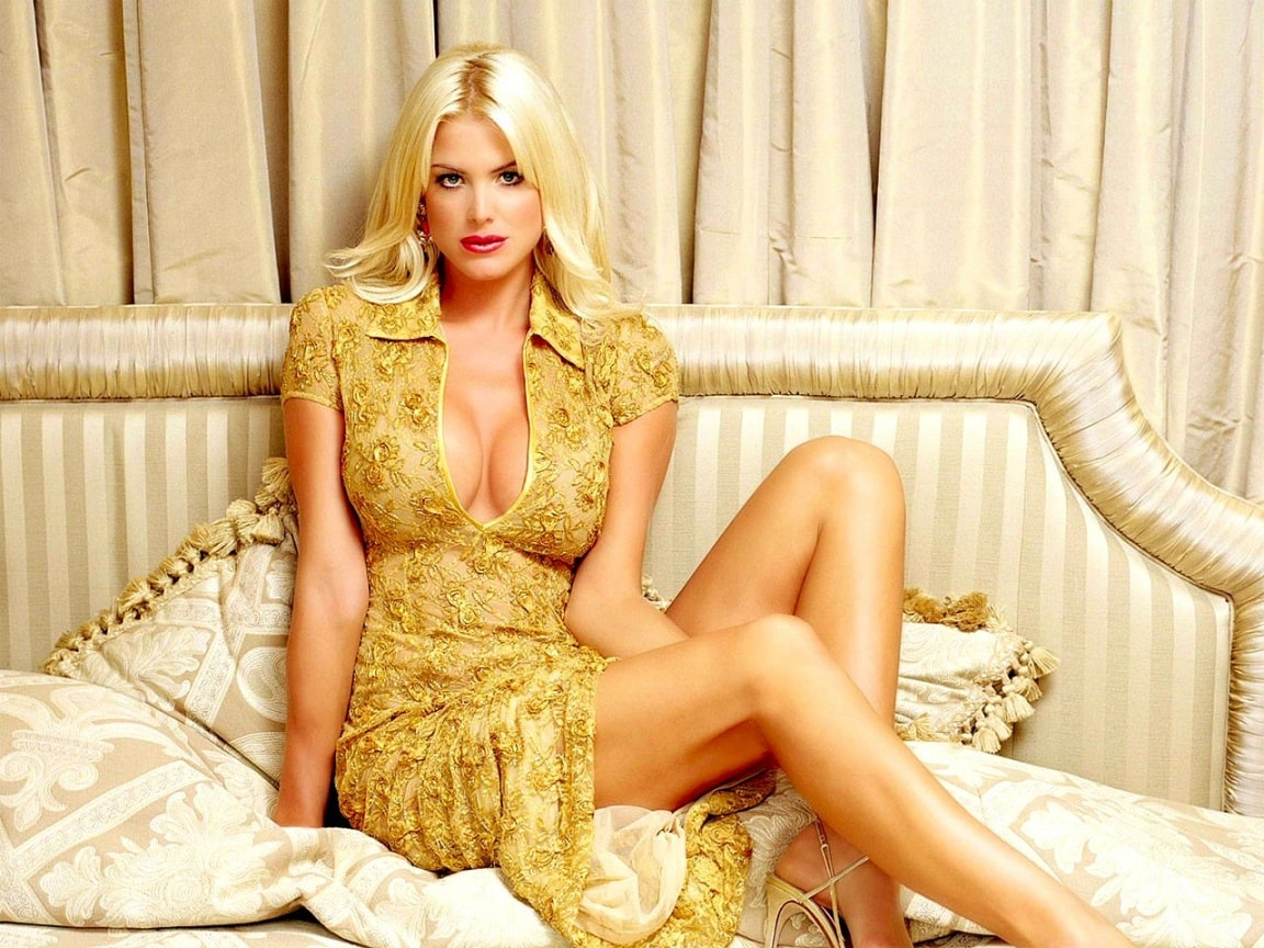 Victoria Silvstedt Hot Photoshoot