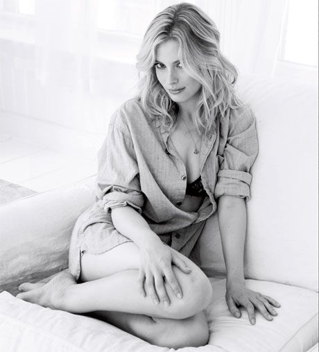 Gillian Jacobs Hot Photoshoot