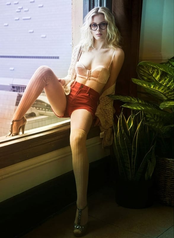 Gillian Jacobs Sexy Feet