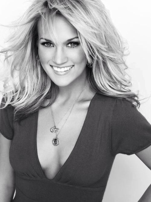 Carrie Underwood Hot Pictures