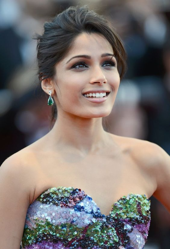 Frieda Pinto on Party