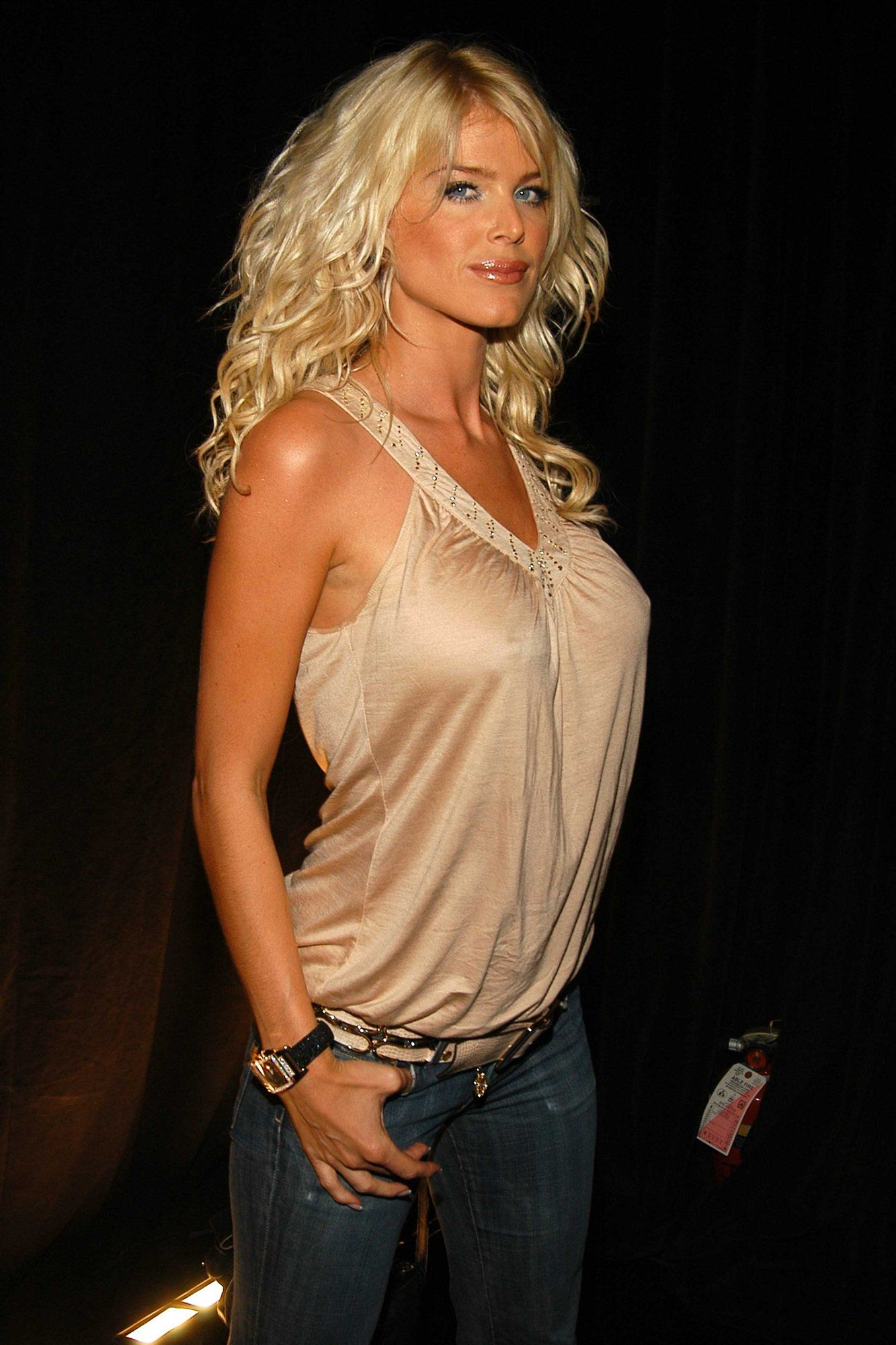 Victoria Silvstedt Photoshoot