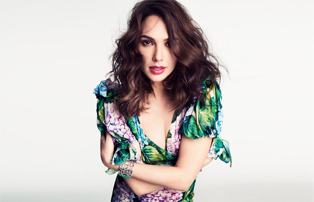 Gal-Gadot cleavages-