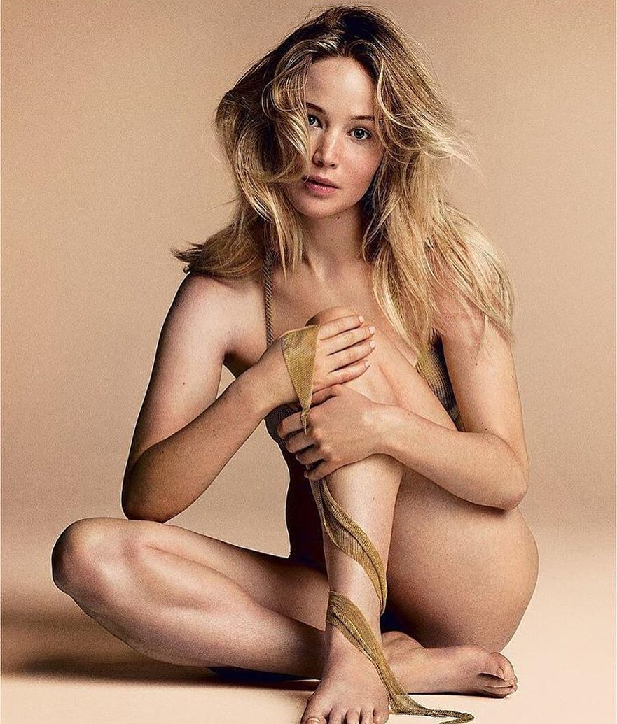 Jennifer Lawrence sexy naked