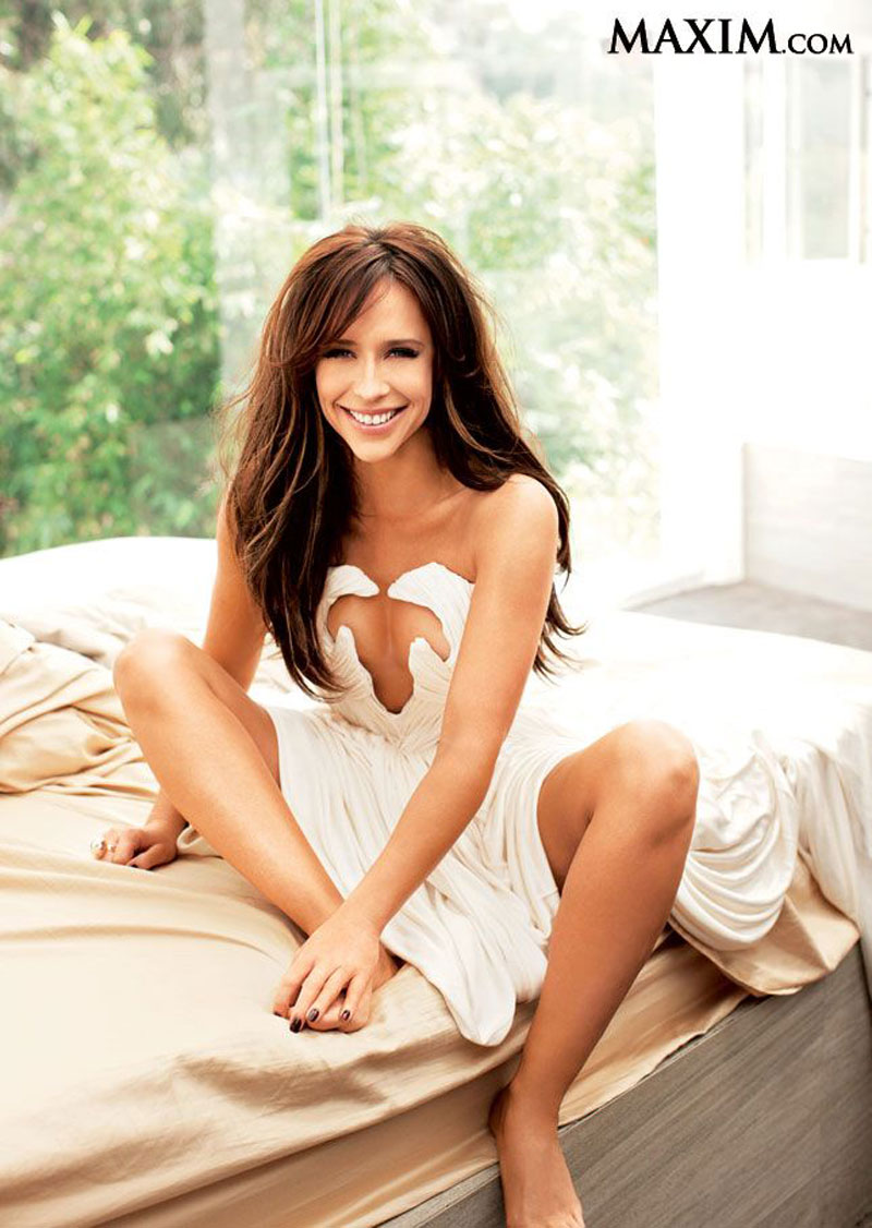 Jennifer Love Hewitt Sexy