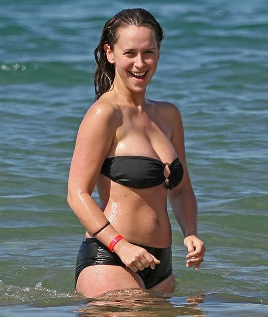 Jennifer Love Hewitt on Beach