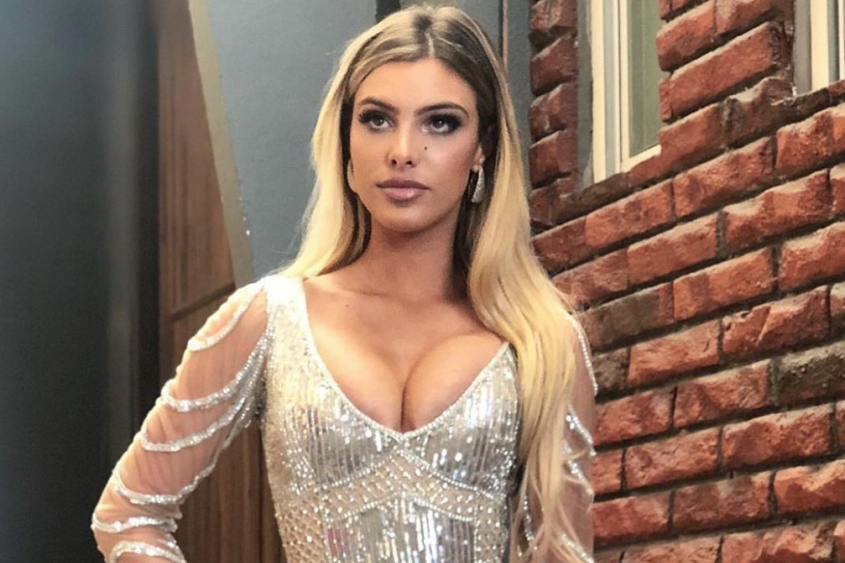 Lele Pons cleavages sexy