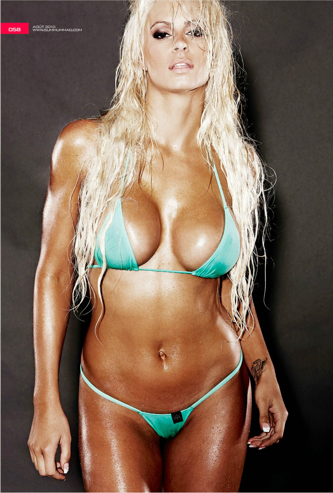 Maryse Ouellet Proves sexy pic