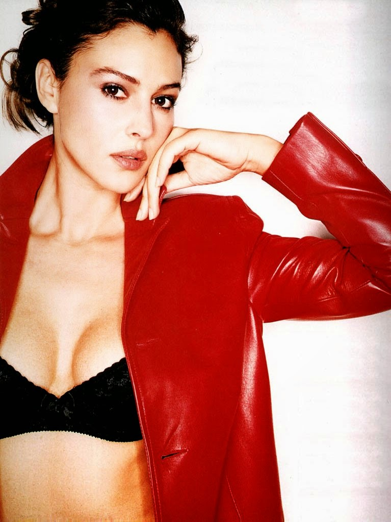 Monica Bellucci red awesome