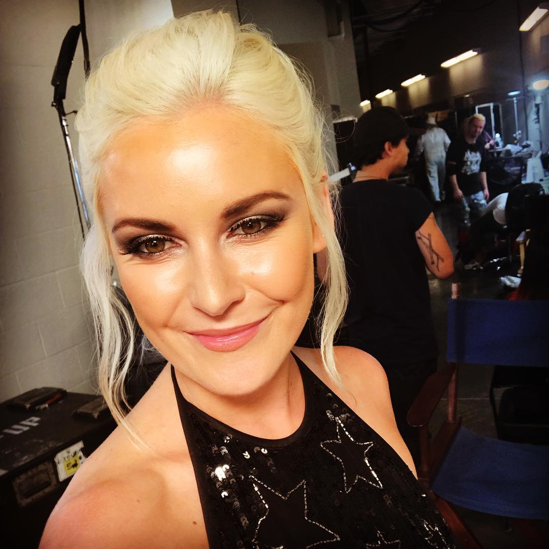 Renee Young Hot