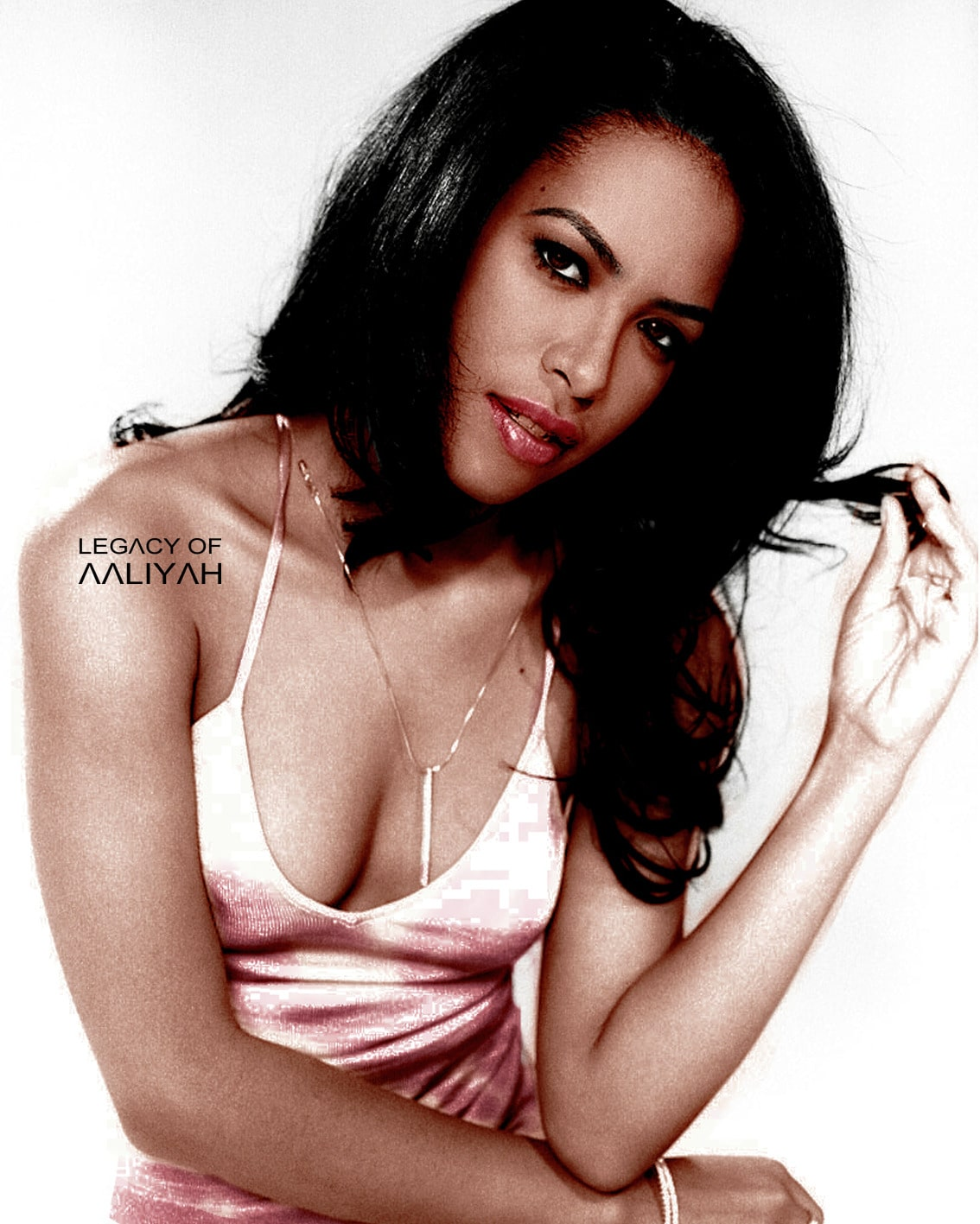aaliyah hot cleavage
