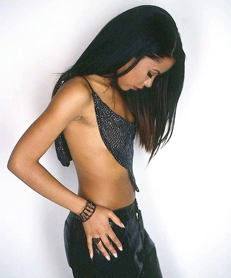 aaliyah hottie dress