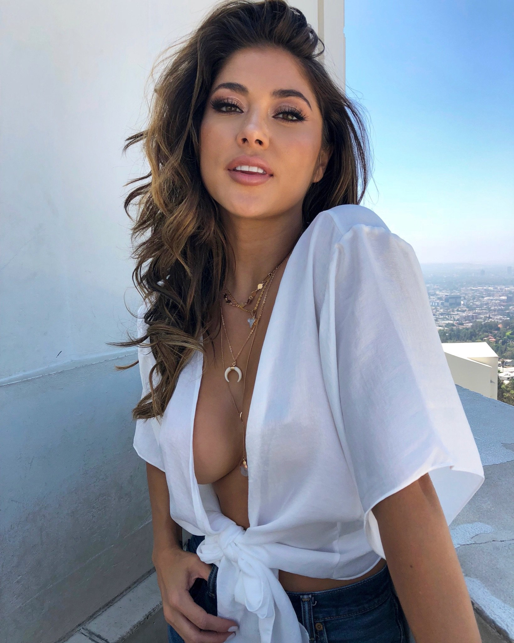 arianny celeste hot cleavage