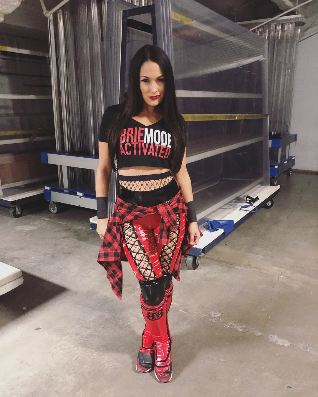 brie bella awesome look