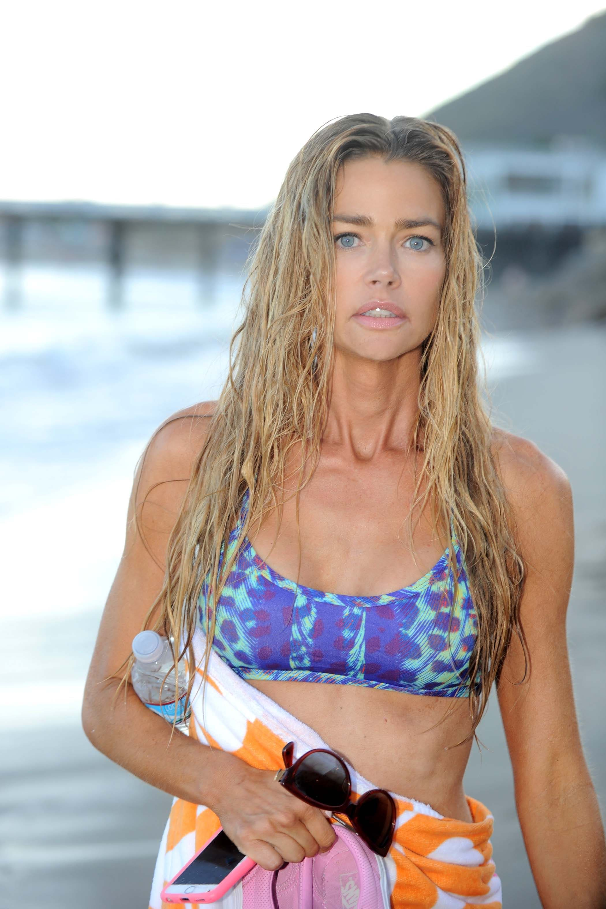 denise richards awesome bikini