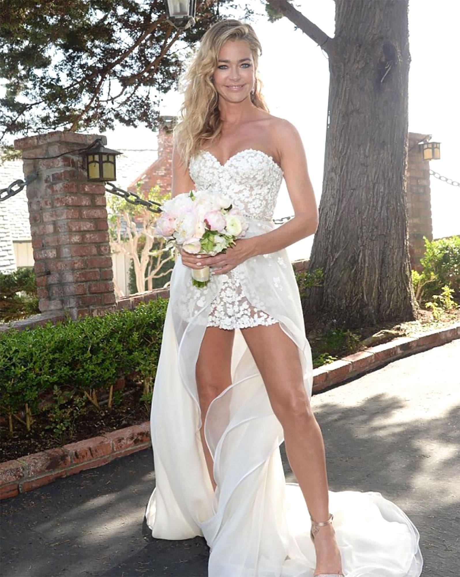 denise richards wedding dress