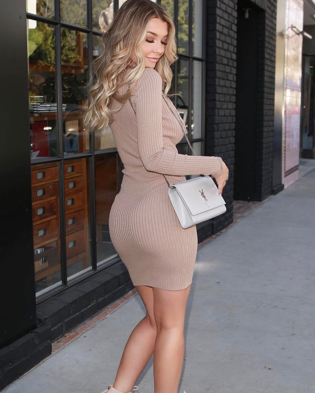 emily sears biggest butt