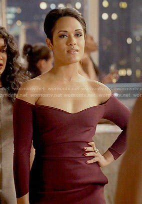 grace byers cleavage