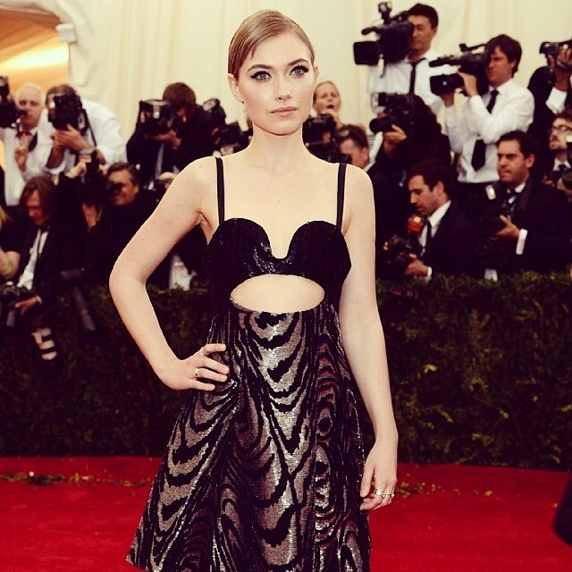 imogen poots red carpet