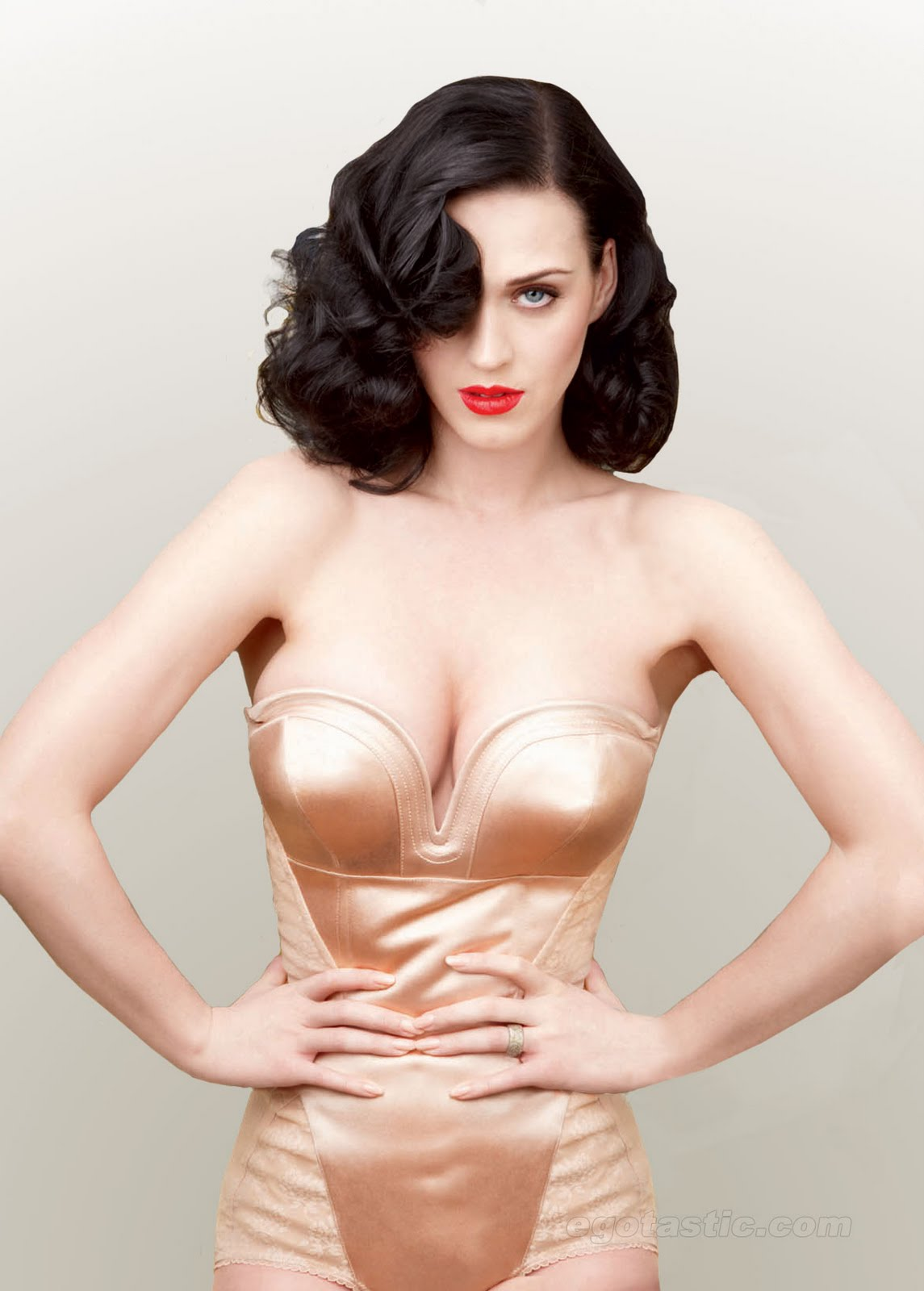 katy-perry-hot-body