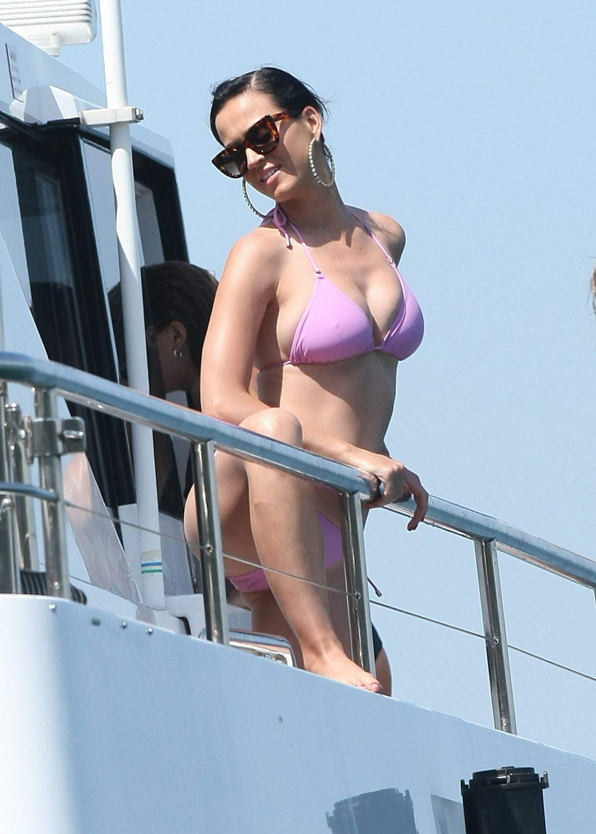 katy-perry-hot-pictures-