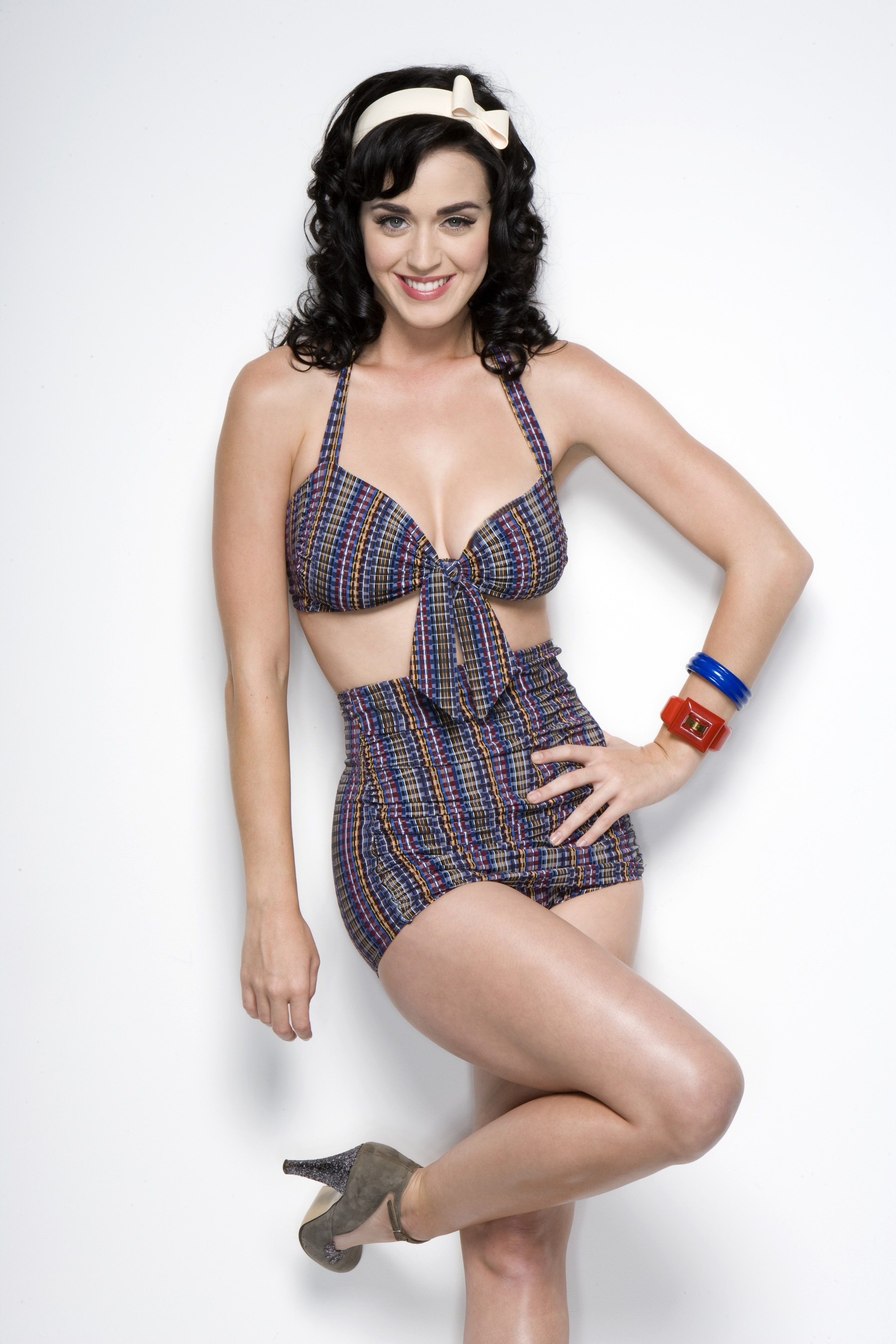 katy-perry-sexy-dress-