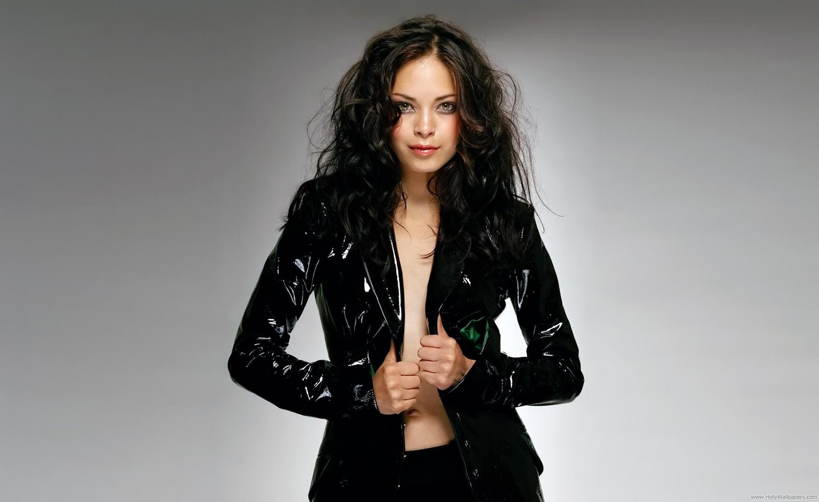 kristin kreuk hot pictures
