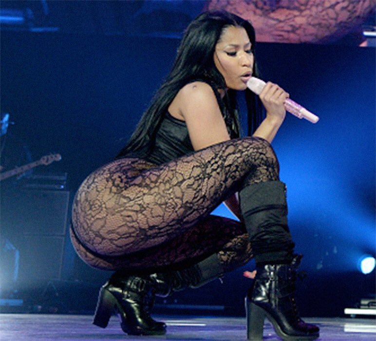 nicki minaj biggest ass