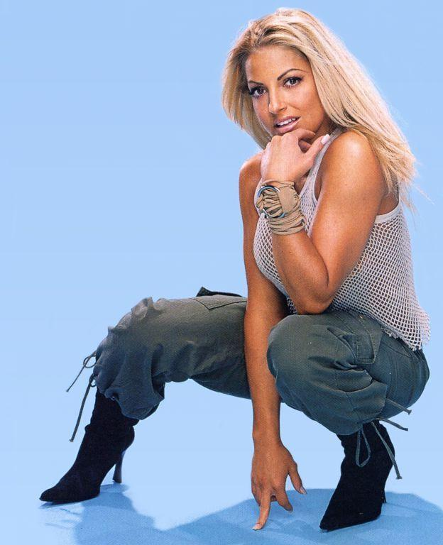 trish stratus hot pictures